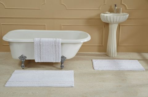 Ruffle Border Bath Rugs